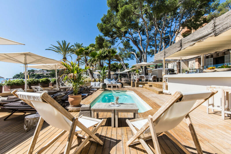 Exclusive Beach Club Magaluf Restaurant Sounbeds